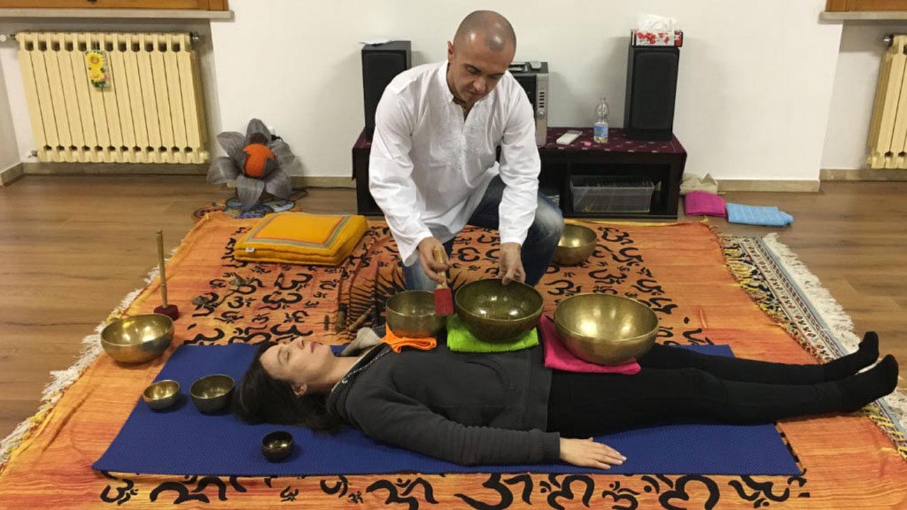 campane tibetane-vibrazioni-suono-rilassamento-meditazione-studiogayatri-monza