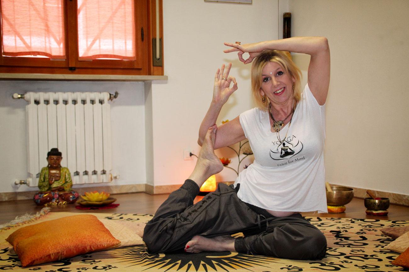 yoga-terapeutico-studiogayatri-monza-surya