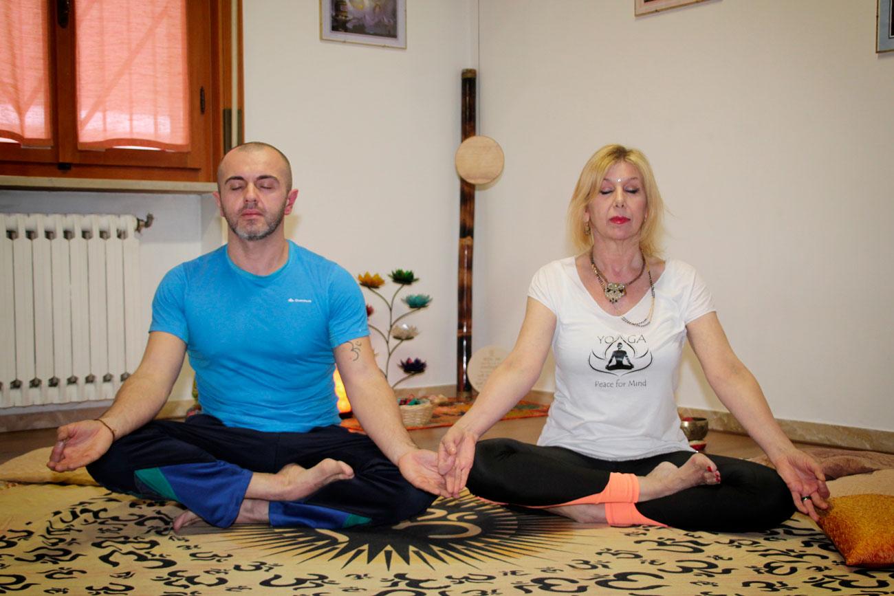 yoga-insegnanti-biennio-formazione-studiogayatri-monza-surya