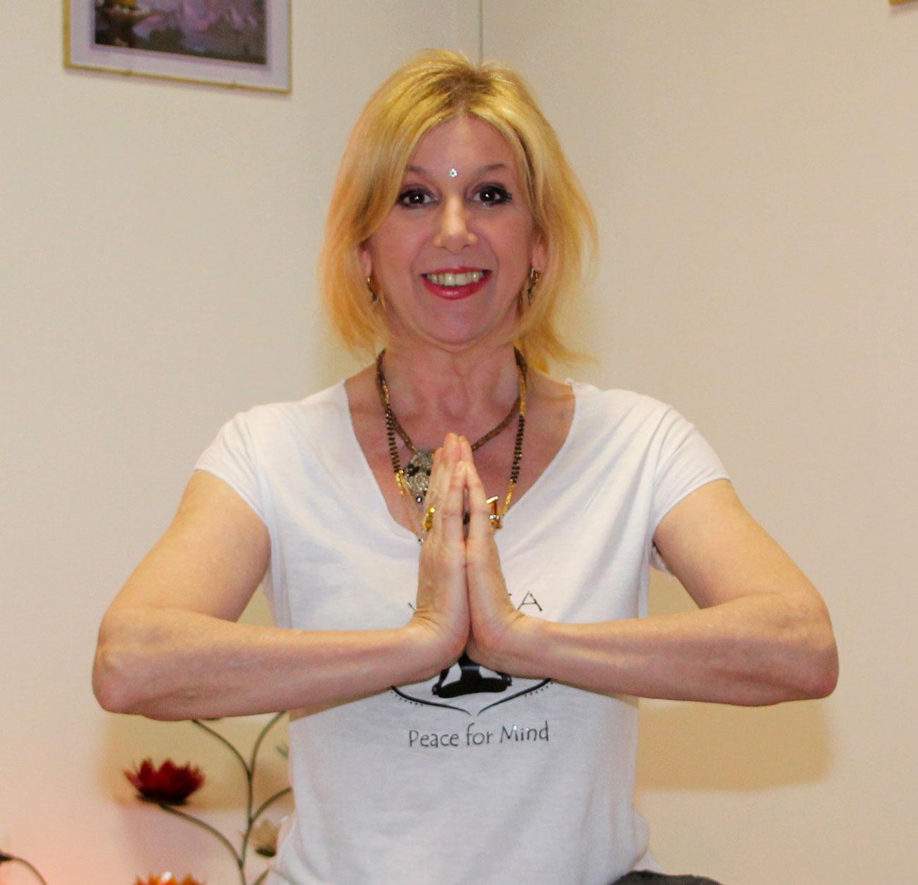surya-emotional-yoga-studiogayatri-monza